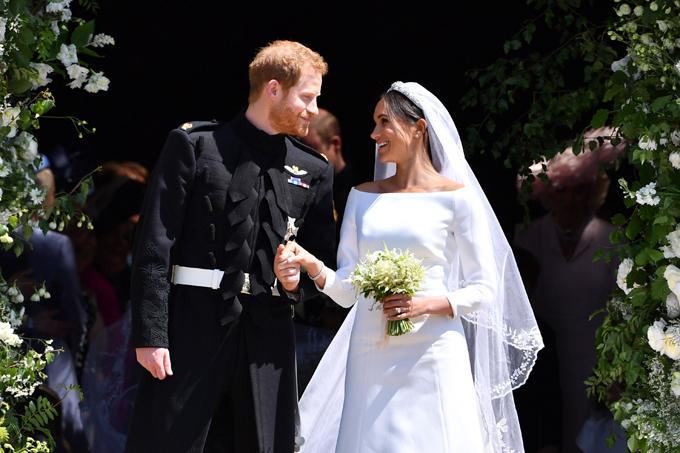 Hoàng tử Harry và cô dâu Meghan ngày cưới. Ảnh: Pinterest