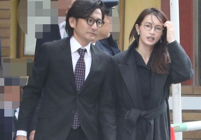 Hasegawa Kyoko và chồng khi còn hạnh phúc.
