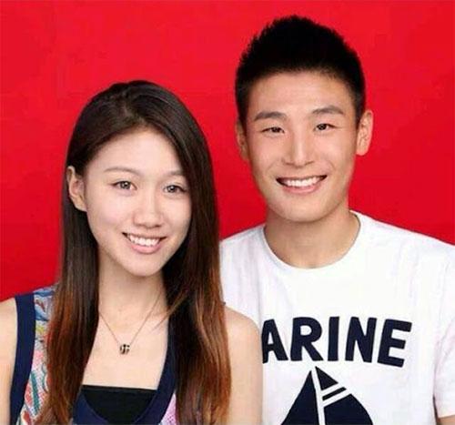 Wu Lei và vợ. Ảnh: INF