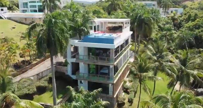 Cardi B muốn đầu tư bất động sản nghỉ dưỡng ở Cộng hòa Dominica và ông xã đã bí mật mua cho cô một căn.