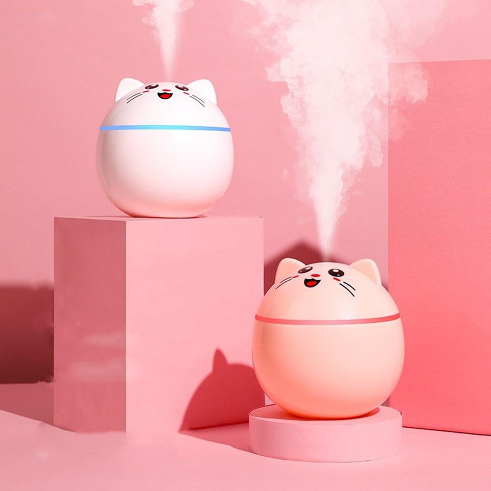 Một chiếc máy xông tinh dầu tăng độ ẩm, khử mùi sẽ giúp bạn thư giãn tinh thần, dễ tập trung làm việc và giảm bớt căng thẳng khi phải ngồi trước máy tính nhiều giờ liền. Máy có thiết kế hình mèo với phần thân tròn đáng yêu, hai màu trắng - hồng cho chị em thoải mái lựa chọn. Đèn LED thay đổi theo giây, không gây tiếng động và tự động ngắt khi hết nước. Máy hợp sử dụng cho không gian nhỏ như trong phòng ngủ, phòng làm việc hoặc trên ô tô. Sản phẩm có giá gốc 102.000 đồng, được giảm sâu trên LazMall trong ngày 14/10 chỉ còn 45.000 đồng, xem thông tin chi tiết và đặt mua tại đây.