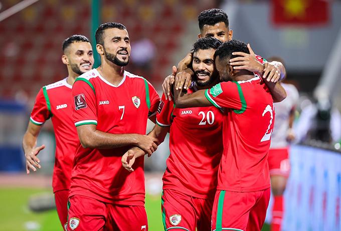 Tuyển Oman thi đấu trên chân và giành chiến thắng thuyết phục trước Việt Nam. Ảnh: OFA