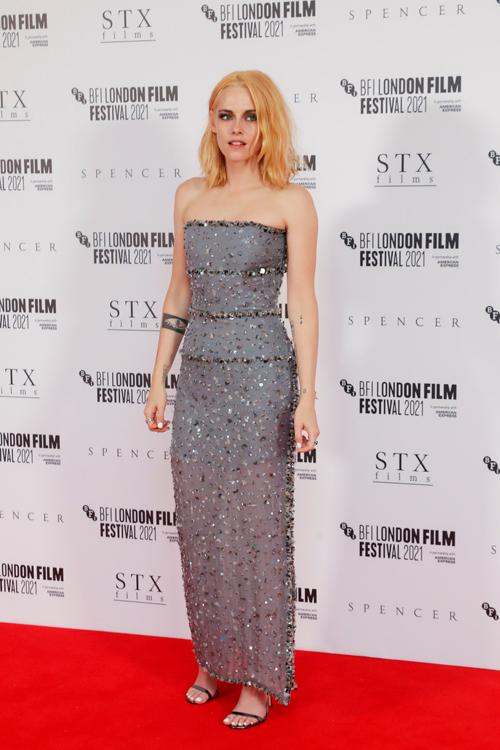 Kristen Stewart trong trang phục Chanel Haute Couture