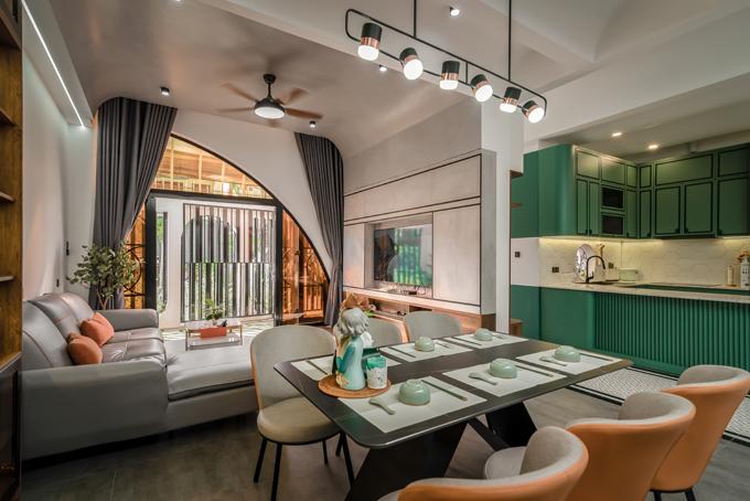 Ngôi nhà được thiết kế theo phong cách hiện đại, phân bổ không gian hợp lý để tối ưu diện tích.