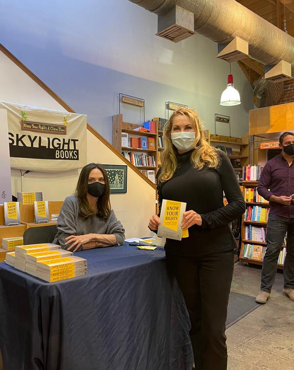 Cô vừa phát hành cuốn sách viết về quyền của thanh thiếu niên mang tên Know Your Rights.