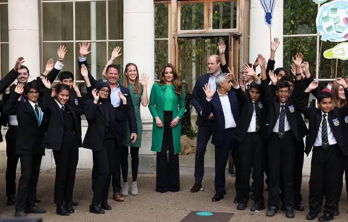 Đồng hành cùng cặp vợ chồng hoàng gia trong sự kiện này có thị trưởng London Sadiq Khan, người dẫn chương trình truyền hình Steve Backshall và nhà vô địch chèo thuyền Olympic Helen Gover. Họ cùng tham gia các hoạt động với các em học sinh của trường The Heathlands, Hounslow.