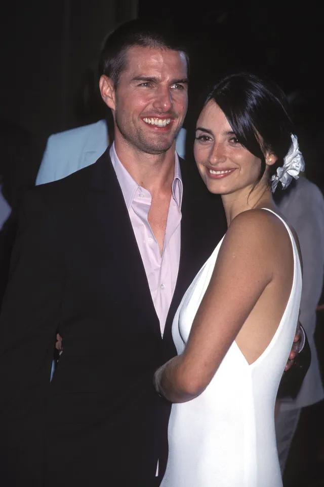 Tom và nữ diễn viên Penelope Cruz dự lễ ra mắt phim Vanilla Sky năm 2001.