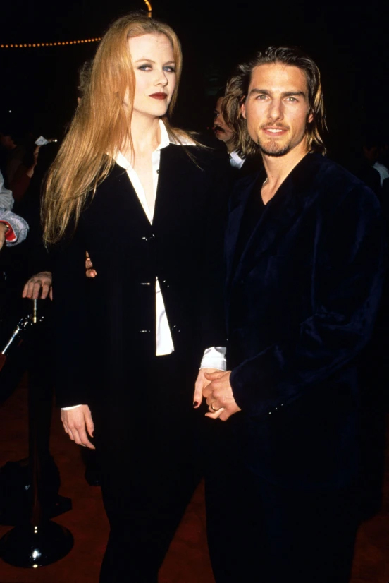 Tài tử thay đổi phong cách với mái tóc dài sau khi đóng phim Interview with a Vampire. Anh xuất hiện cùng người vợ thứ hai - nữ diễn viên Nicole Kidman - tại buổi công chiếu phim năm 1994.