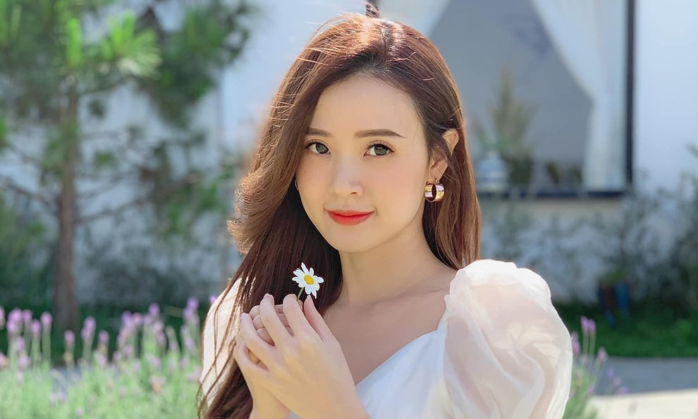 Nhan sắc tuổi 32 của 'quý cô độc thân' Midu